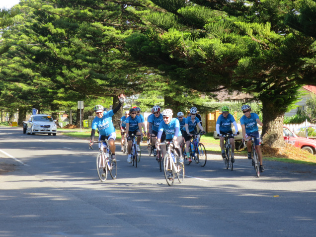 Vision Super M2M riding into Port Fairy